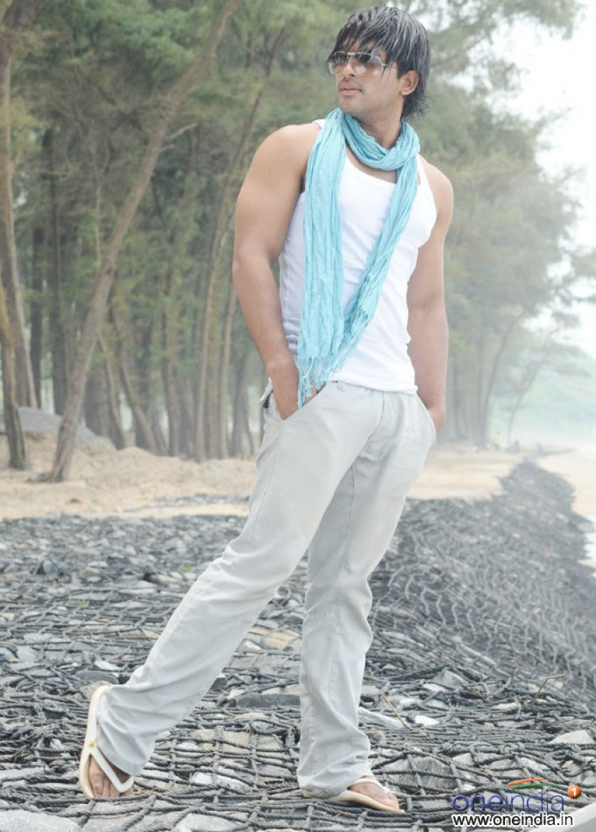 Arya 2 Photos Hd Images Pictures Stills First Look Posters Of