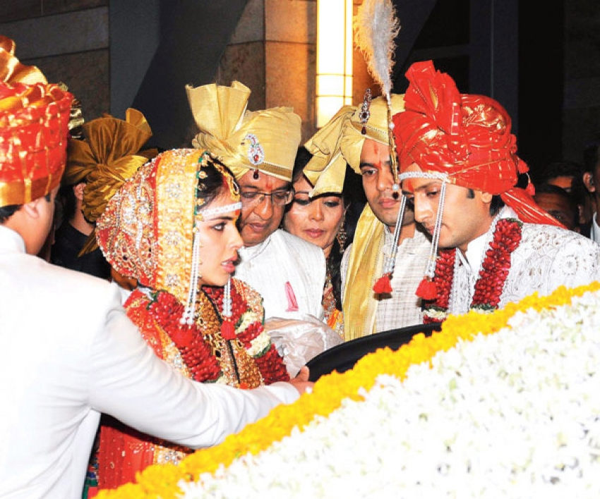 Ritesh Deshmukh And Genelia Dsouza Wedding Reception Photos Filmibeat