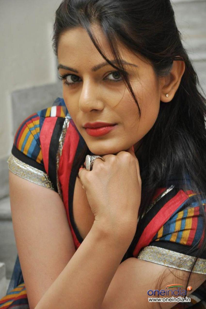 Anjali Dwivedi Photos