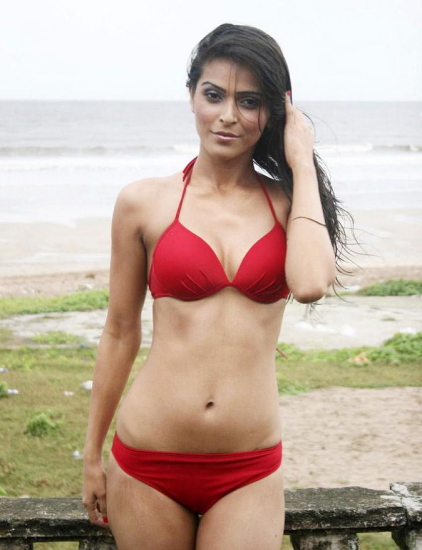 Madhurima Tuli Photos