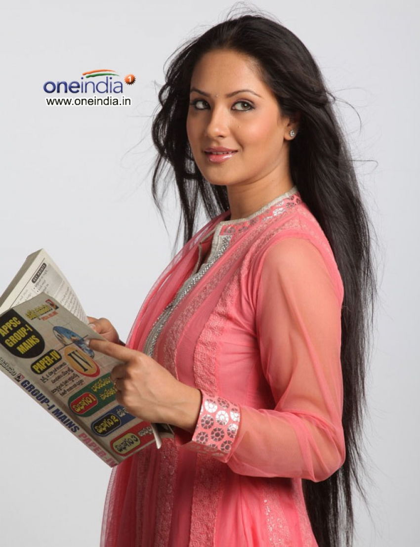 Pooja Bose Photos