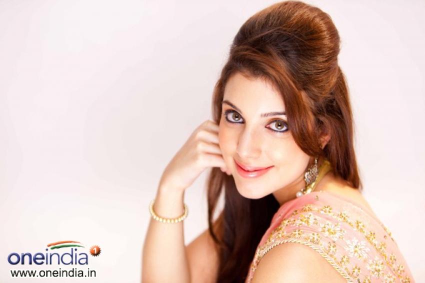 Anisa Photos