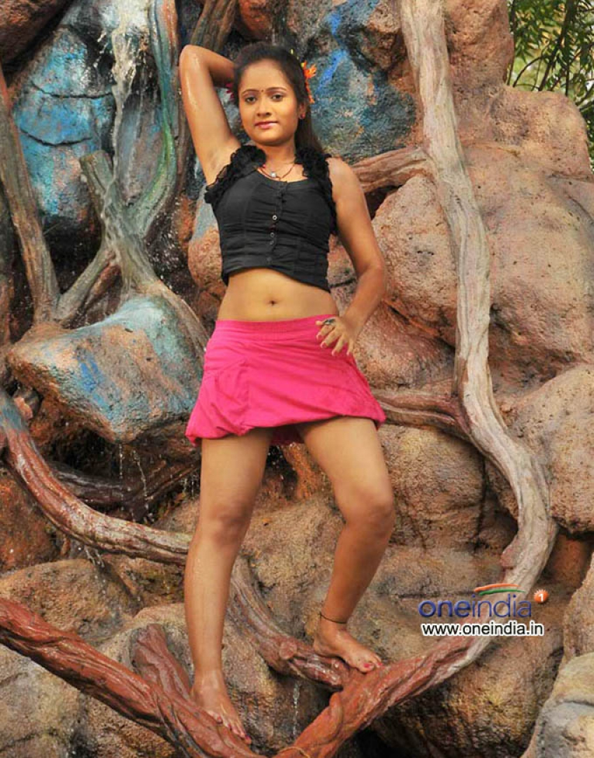 Cool Boys Hot Girls Photos Hd Images Pictures Stills First Look Posters Of Cool Boys Hot Girls Movie Filmibeat