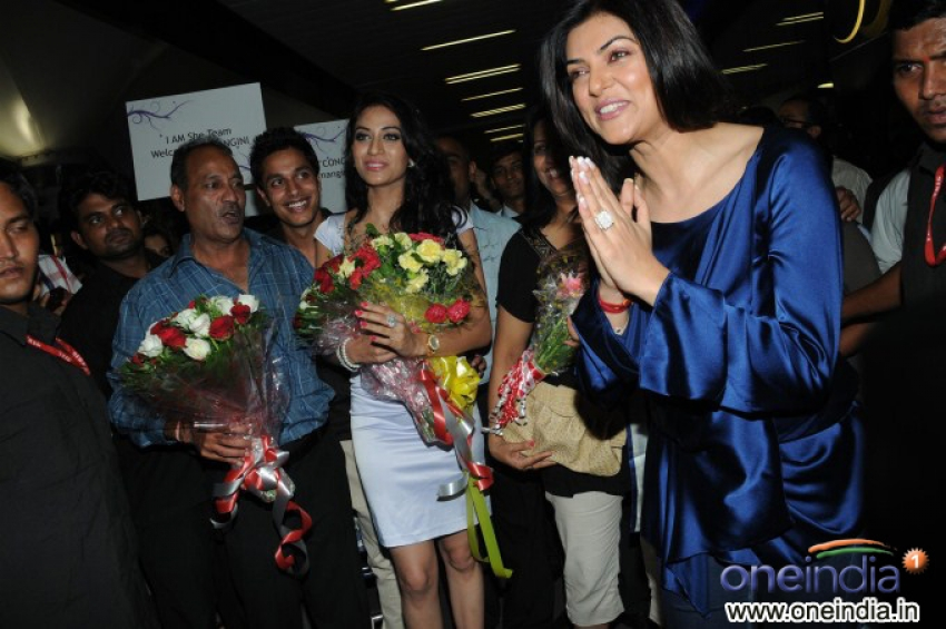 Hemangini Singh and Sushmita Sen Spotted at Airport Photos