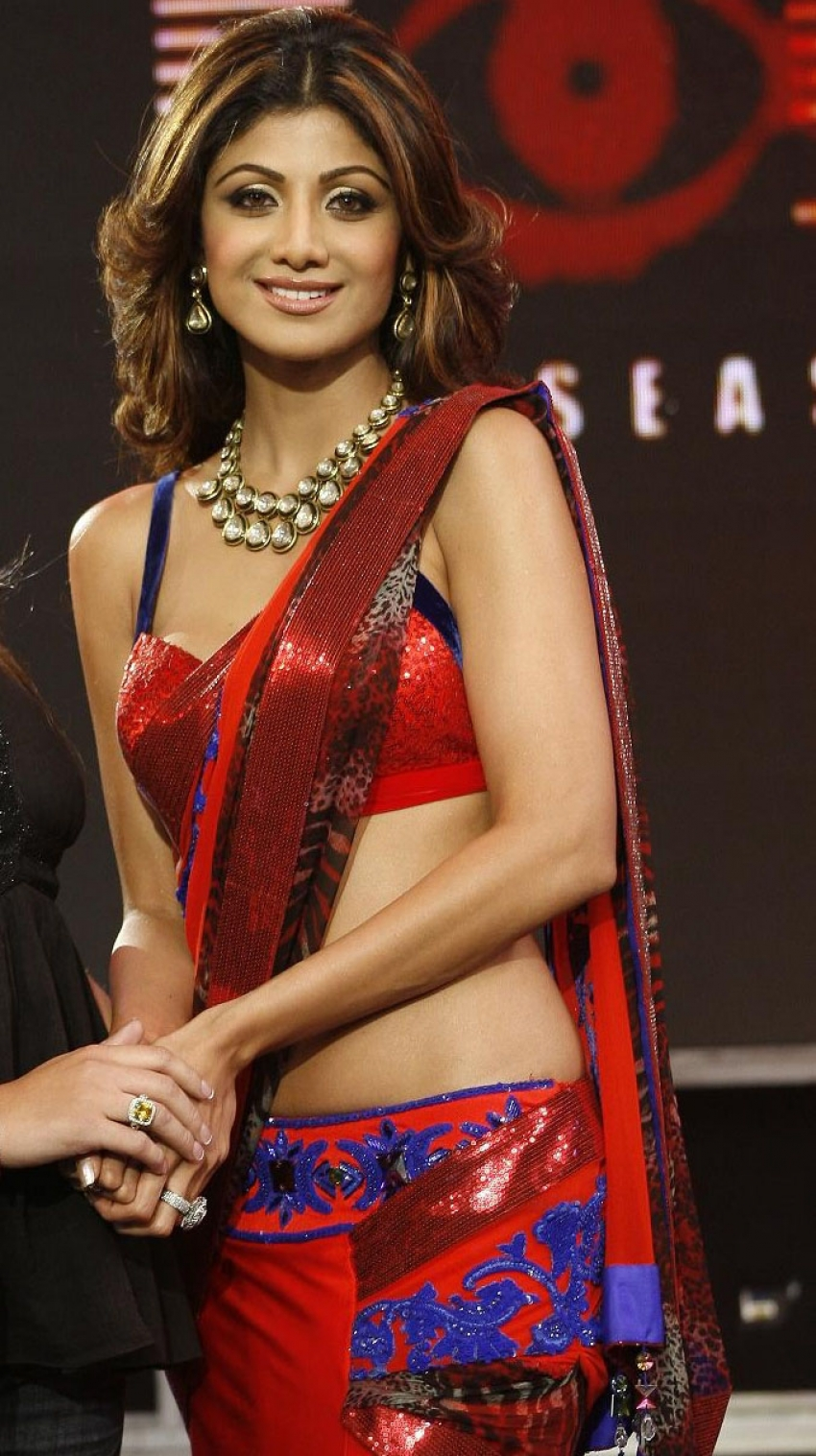 indian actresses in traditional saree