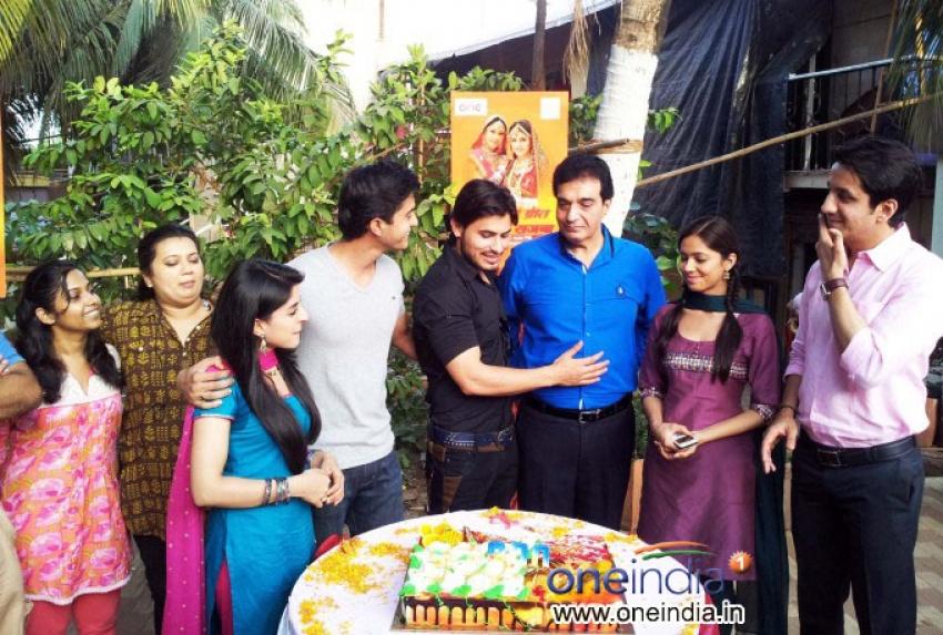 Tujh Sang Preet Lagai Sajana completes 200 Episode Photos