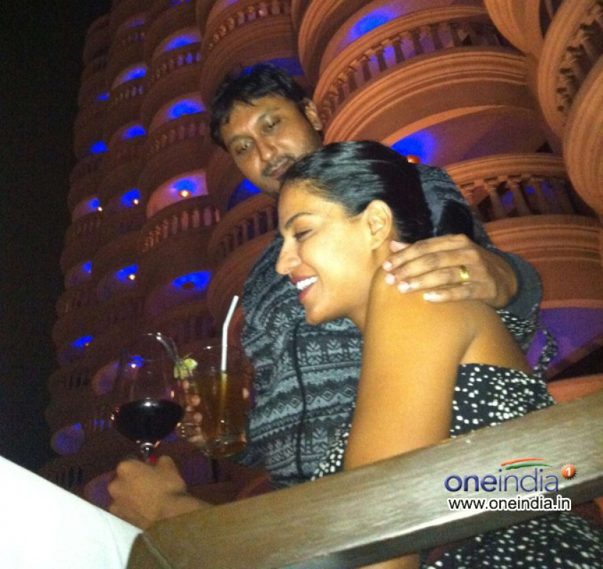 Veena Malik and Hemant Madhukar 3D Love Life Photos