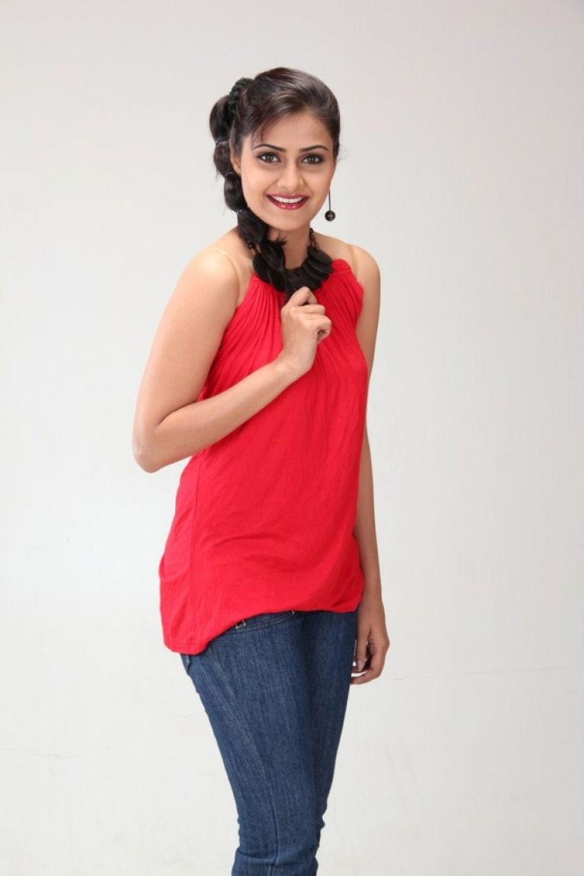 Nandagi Photos