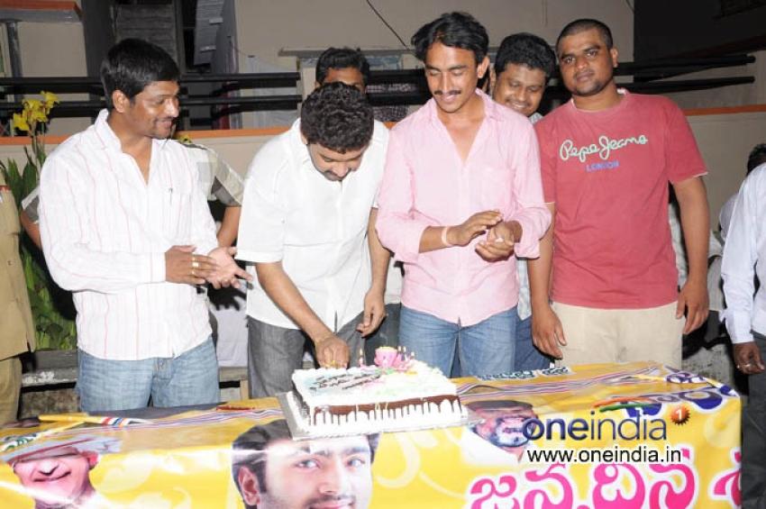 Nara Rohit Birthday Midnight Fans Celebrations