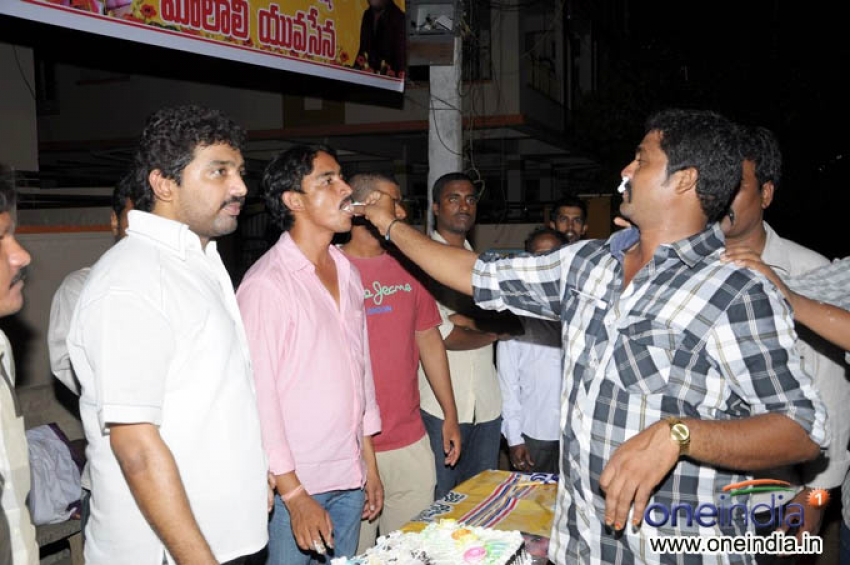 Nara Rohit Birthday Midnight Fans Celebrations