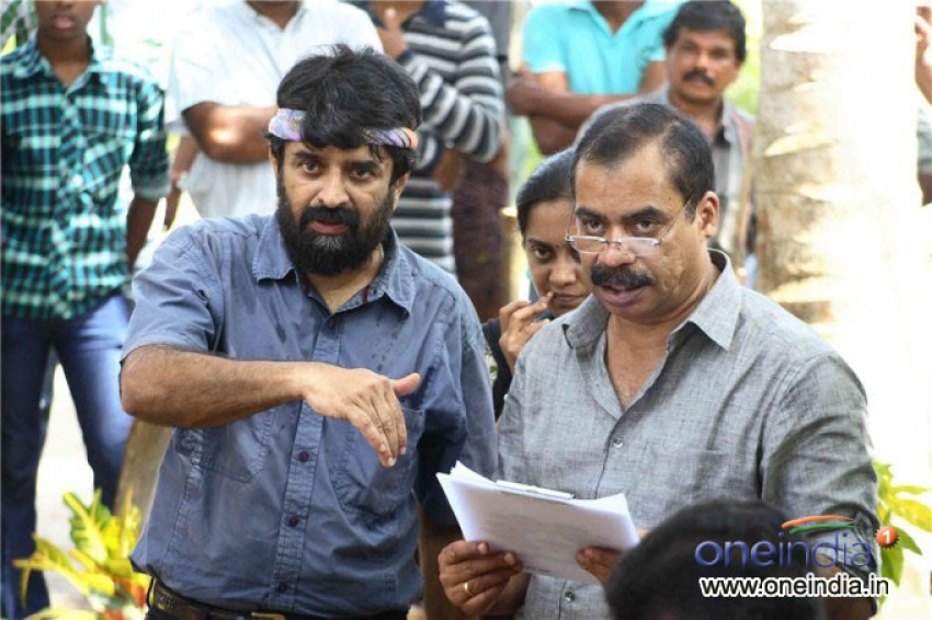Oru Karyam Parayanundu Movie Pooja