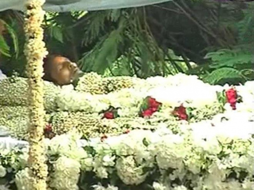 Rajesh Khanna's funeral procession