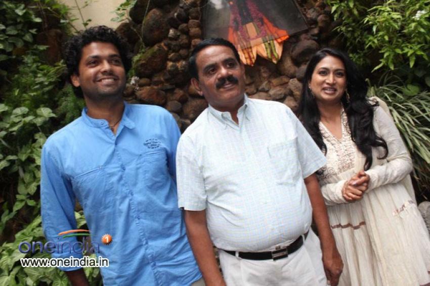 Simple Aagi Ondu Love Story Muhurat