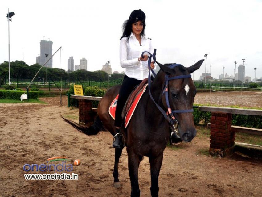 Chandi Perera Learning Horse Riding