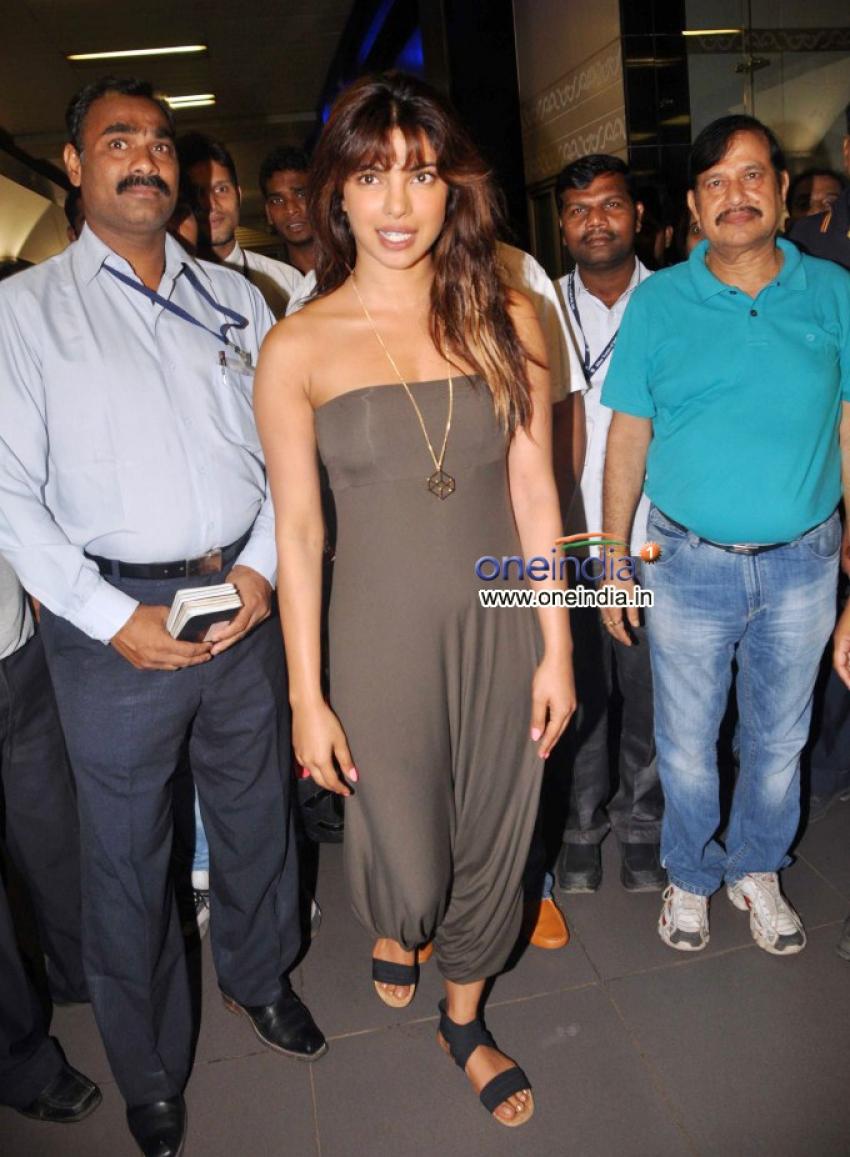 Priyanka Chopra and Sanjay Dutt at Airport
