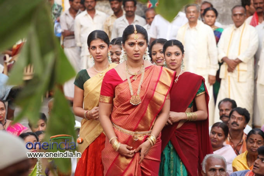 Thandavam Photos