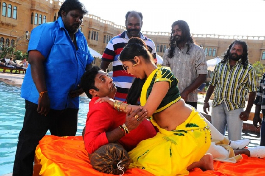 Thulli Vilayadu Photos