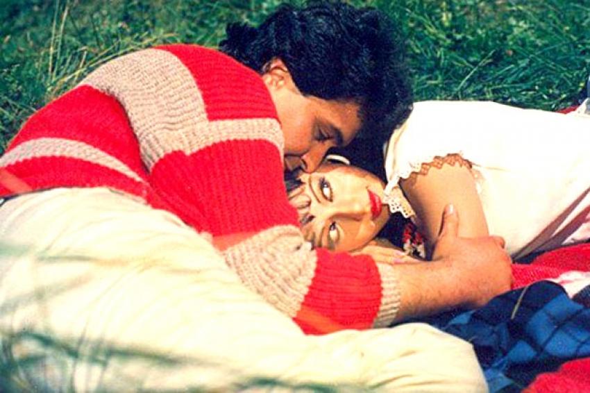 Top Romantic Scenes from Yash Chopra Films Photos