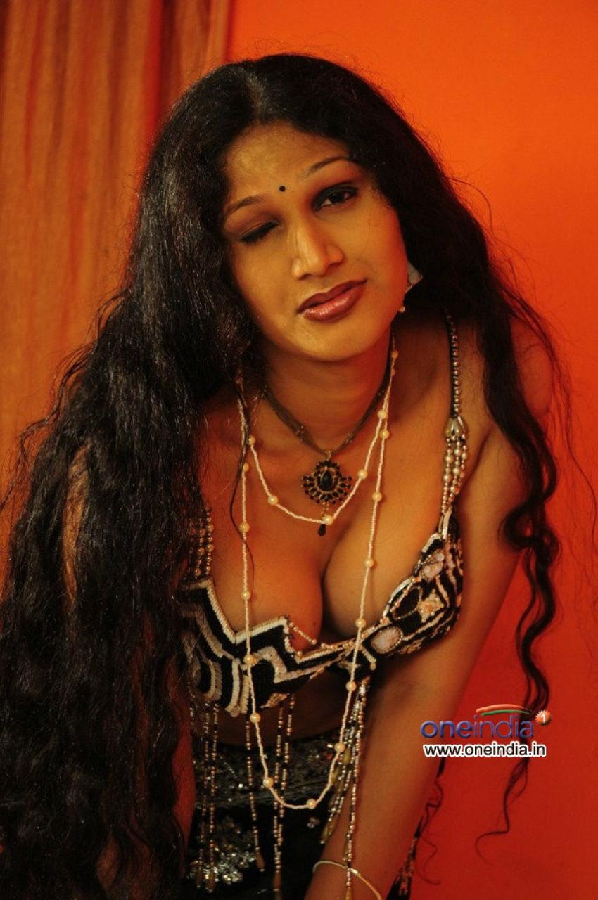 Telugu aunties hot photos gallery