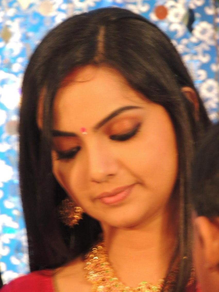Samvrutha Sunil And Akhil Jayaraj Wedding Reception Photos Filmibeat