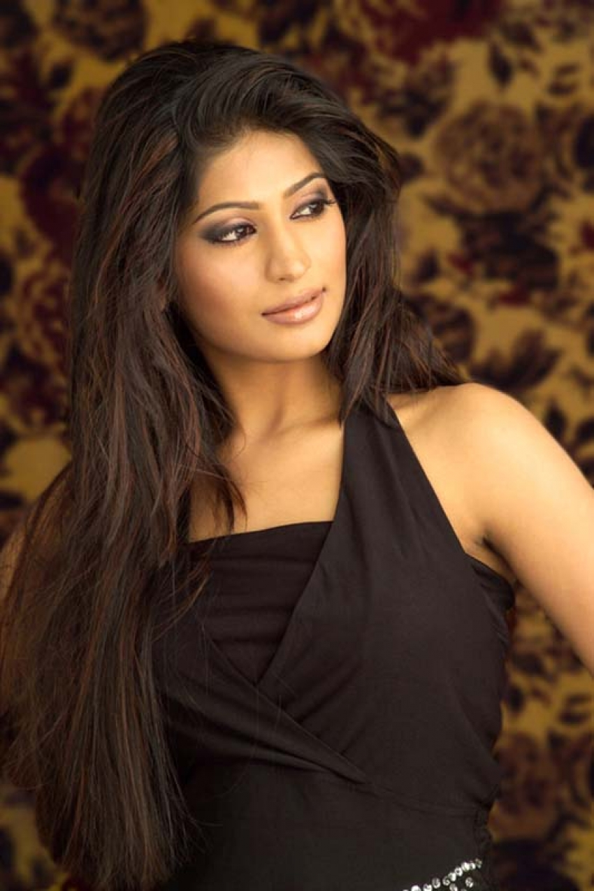 Vijayalakshmi Agathiyan Photos