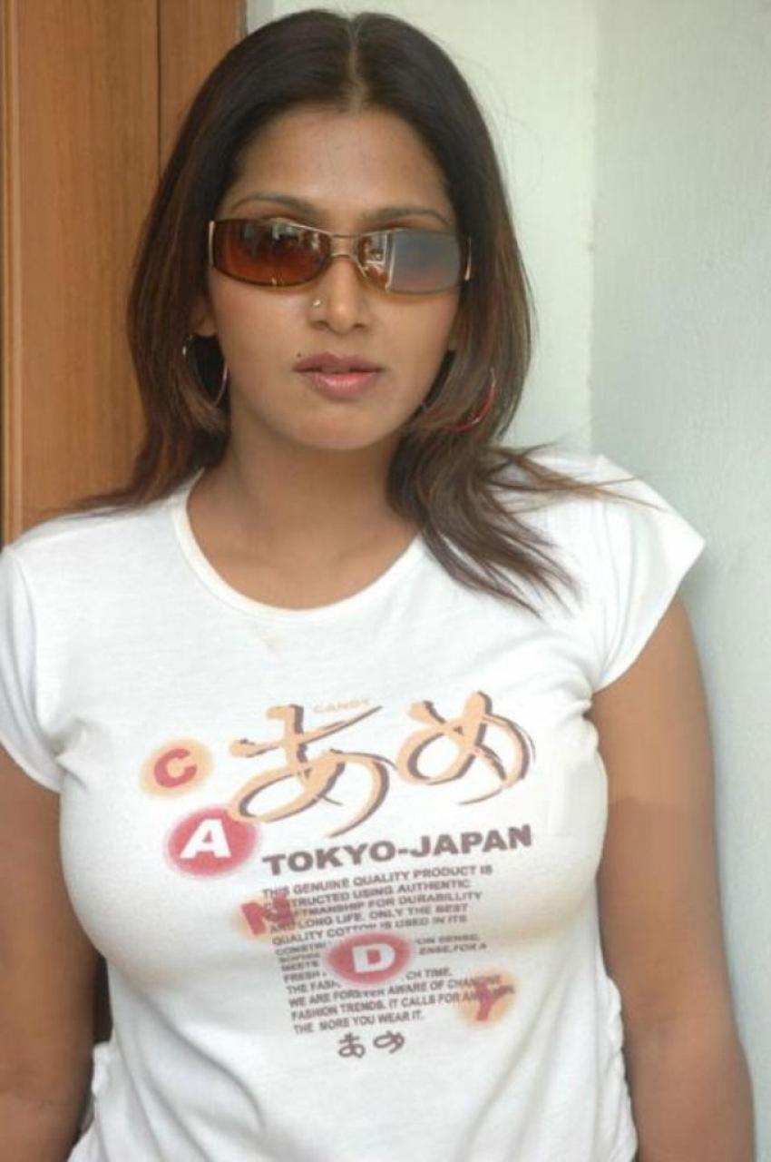 Bhuvaneswari Photos