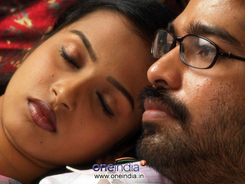 Ariyathavan Puriyathavan Photos