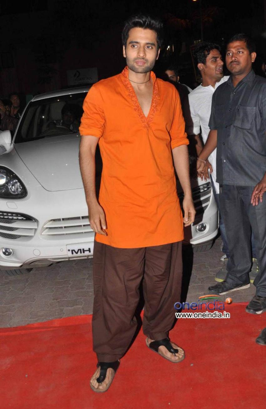 First Look launch of Rangrezz at Lalbagcha Raja Photos
