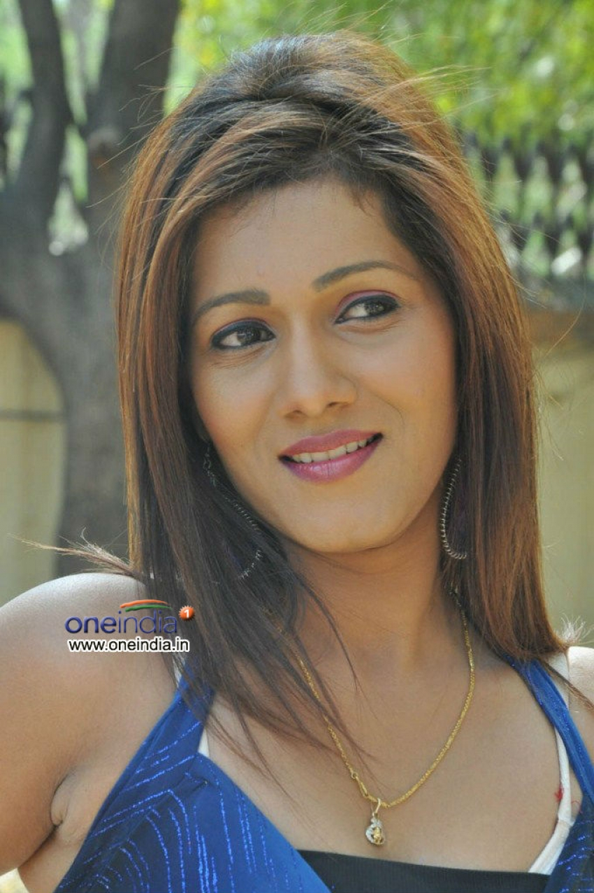Neetu Agarwal Photos
