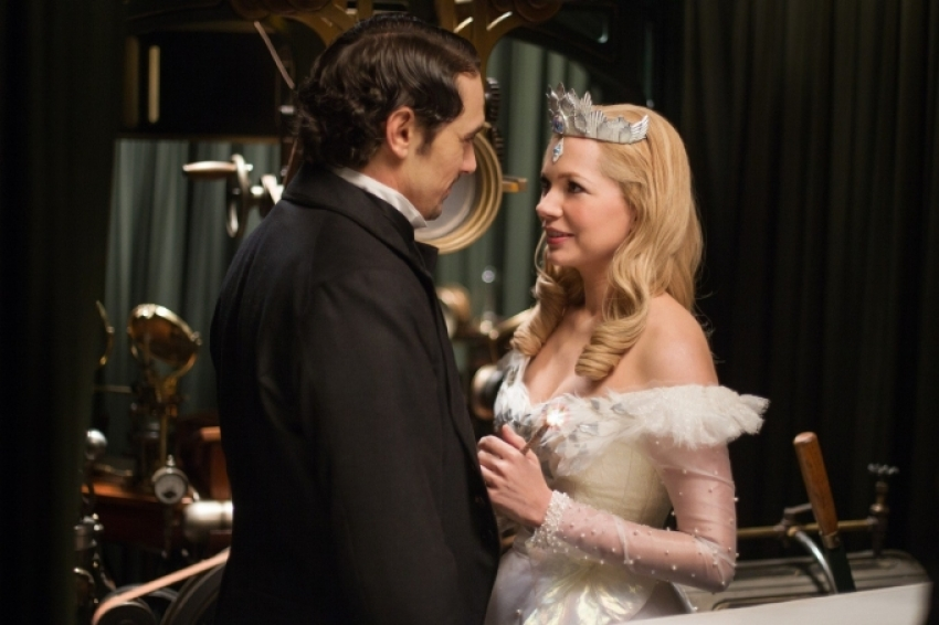 Oz The Great and Powerful Photos