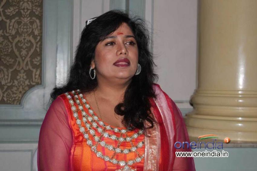 Priya Hassan Photos