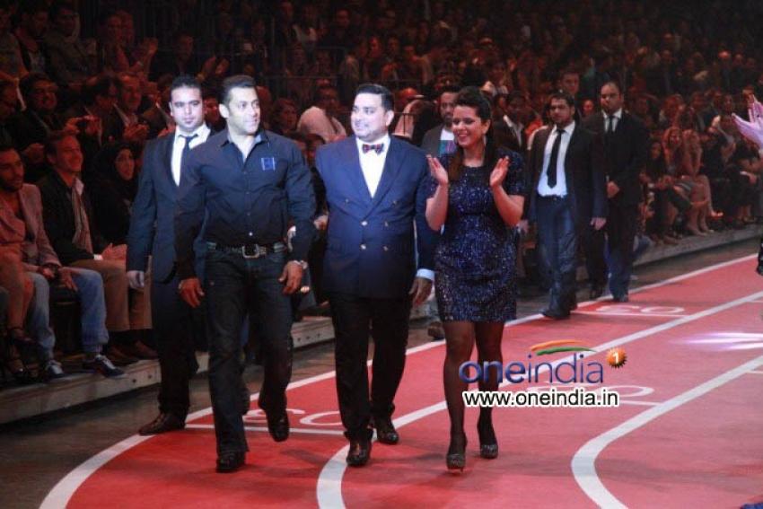 Salman Khan at Splash Fashion Show in Dubai Photos