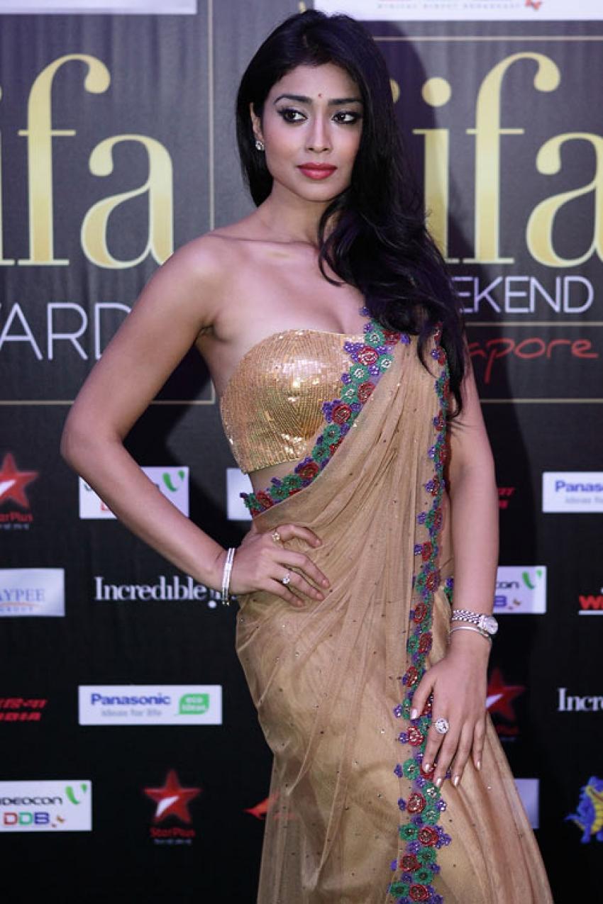 Shreya saran sexy photos