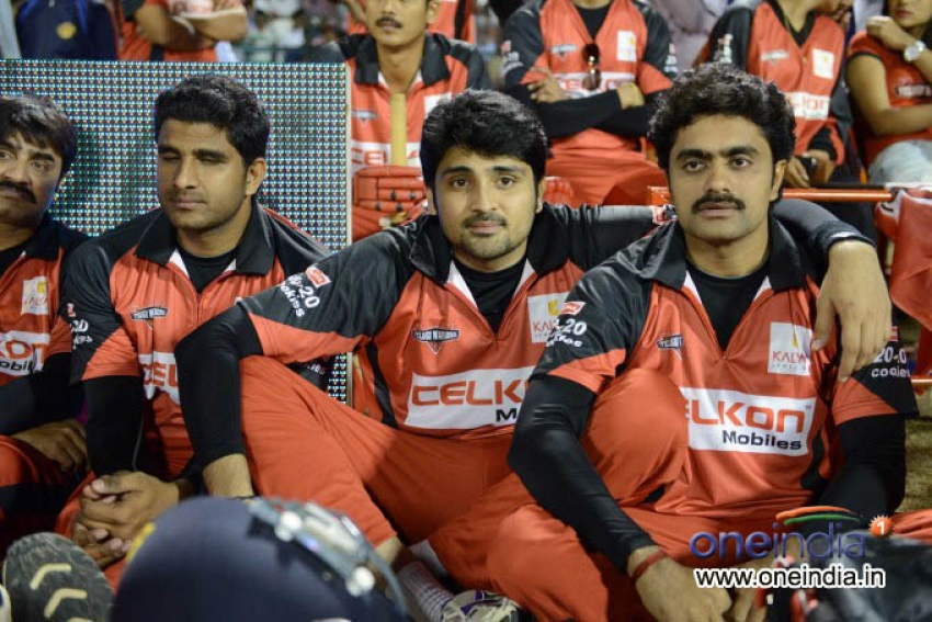 Telugu Warrior VS Mumbai Heroes Photos
