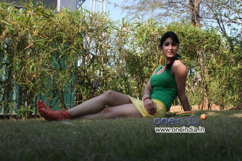 Ammaa Ki Boli Starcast Celebrates Pre Holi 2013 Photos