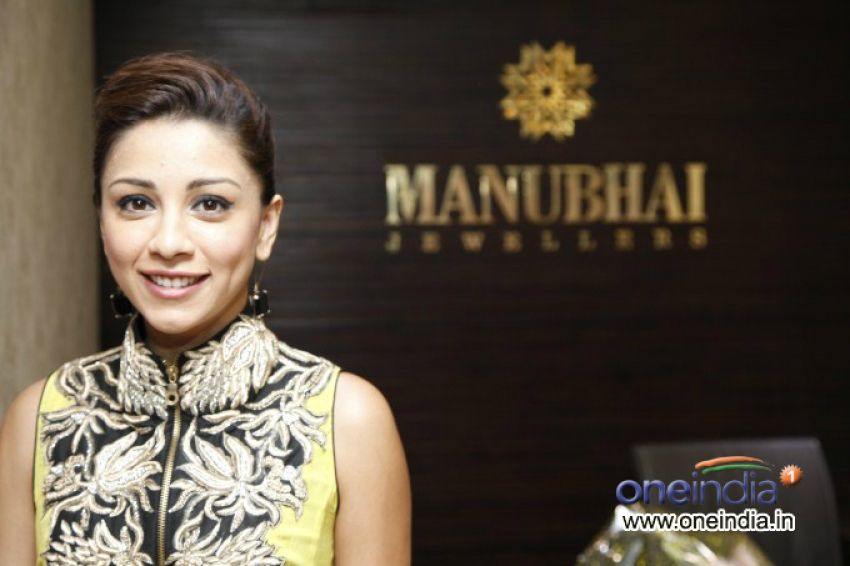 Amrita Puri Felicitated By Manubhai Jewellers and WIFT Photos