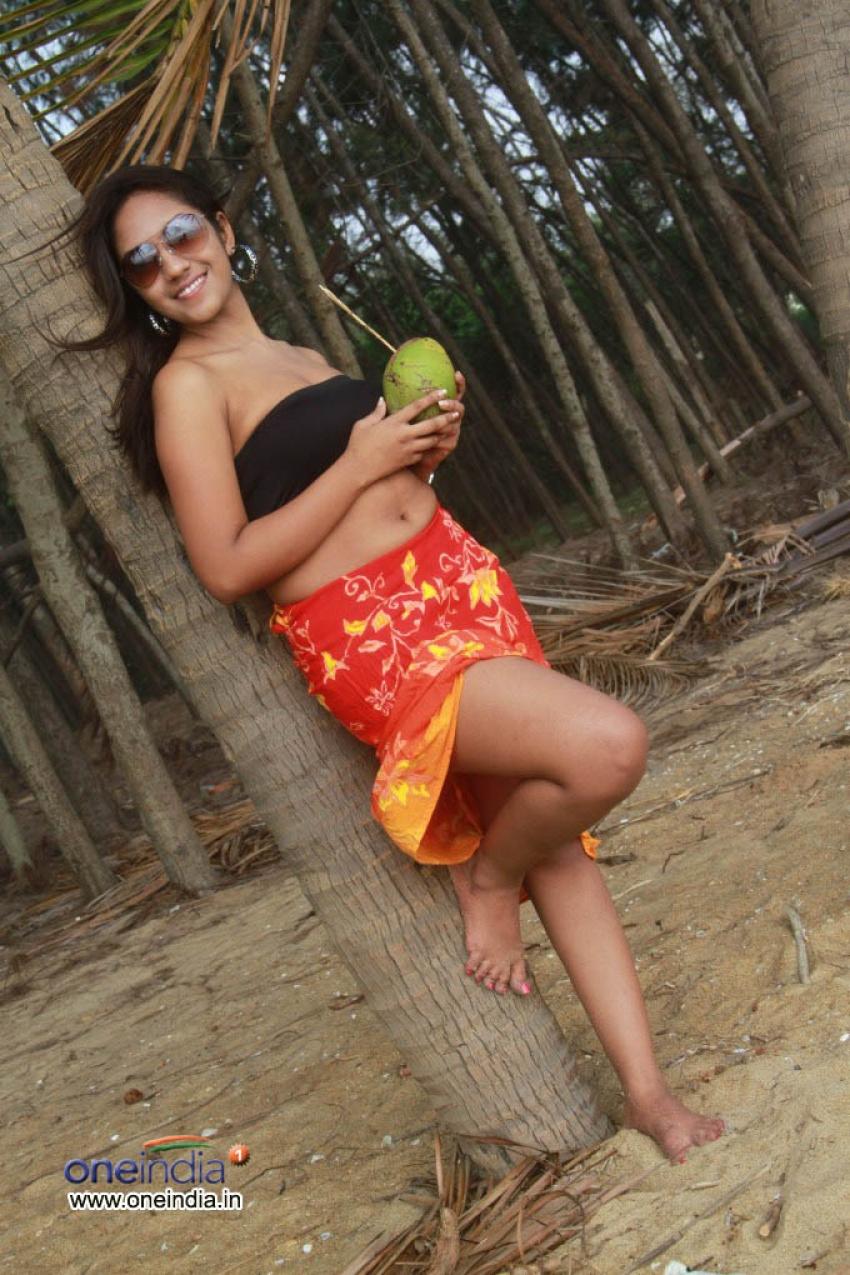 Asha Felsia Photos