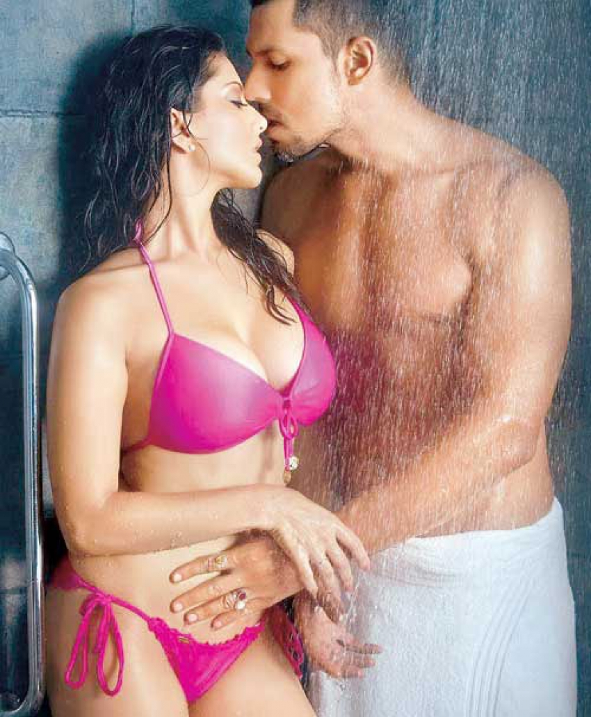 Bollywood's hottest liplocks Photos