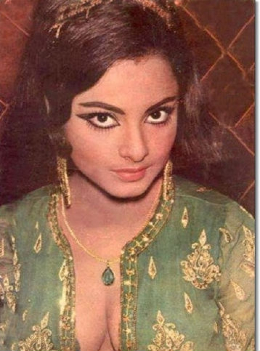 Bollywood's Old Bold Beauties Photos