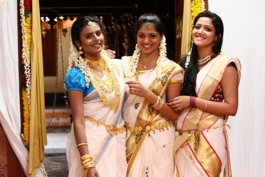 Kerala Nattilam Penkaludane Photos