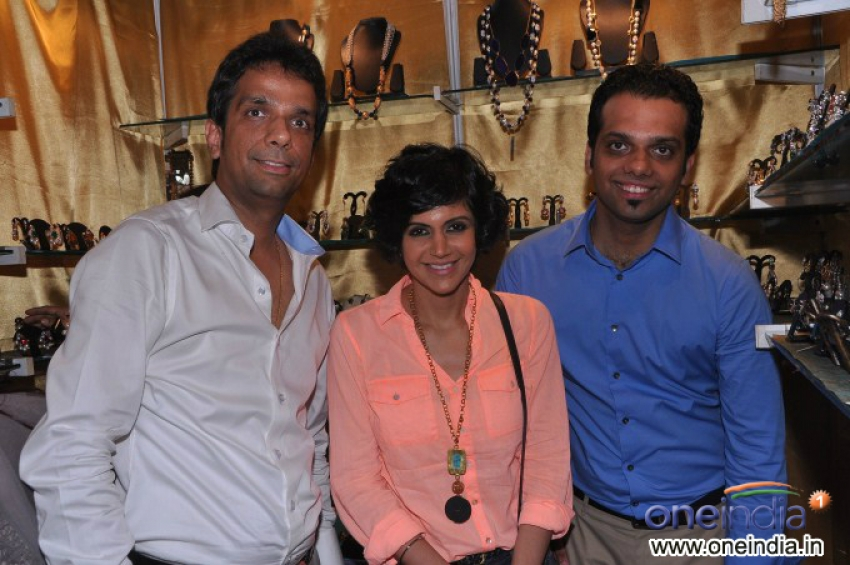 Mandira Bedi visits Argentium Jewels Photos