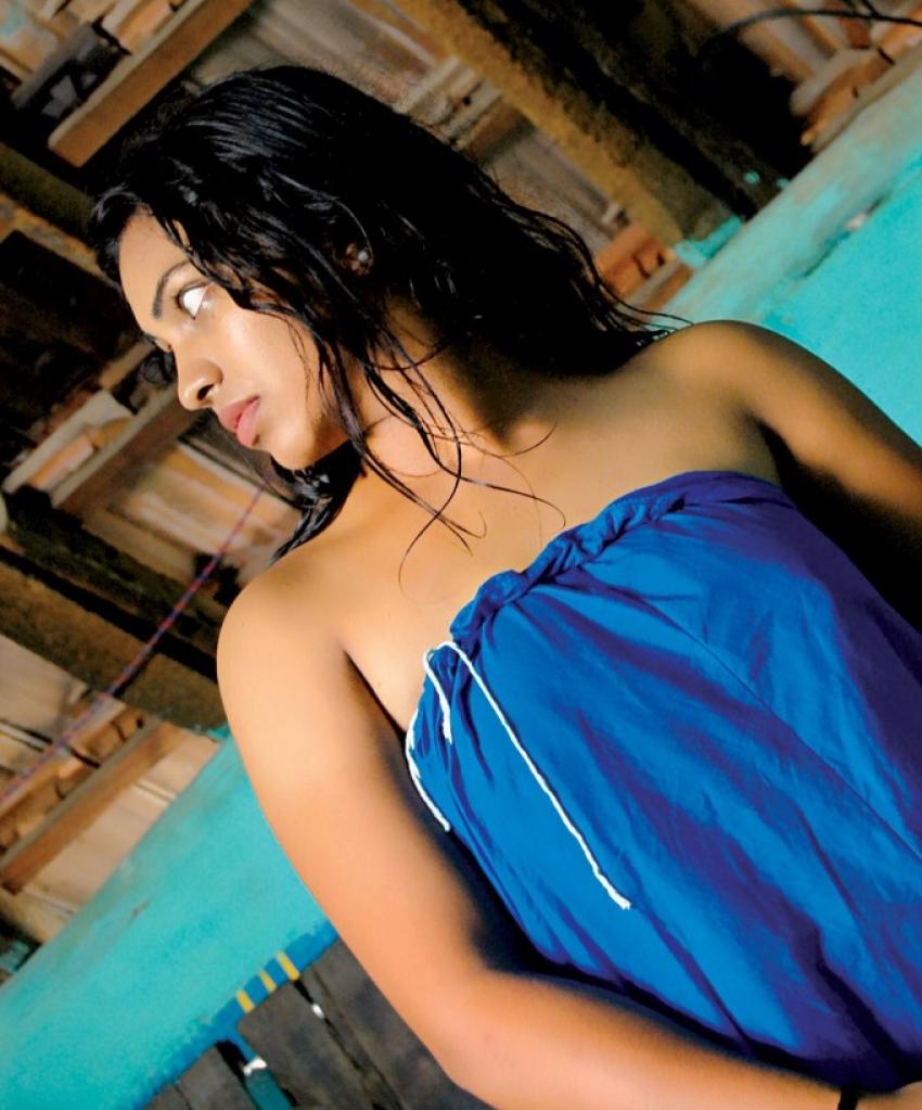 Padikkira Vayasula Photos