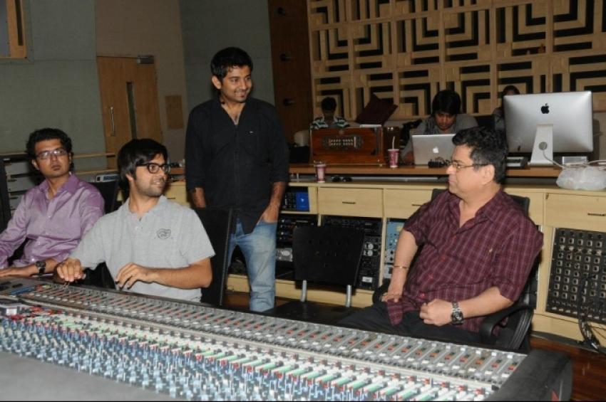Ramaiya Vastavaiya Movie Jaadu Ki Jhappi Song Recording Photos