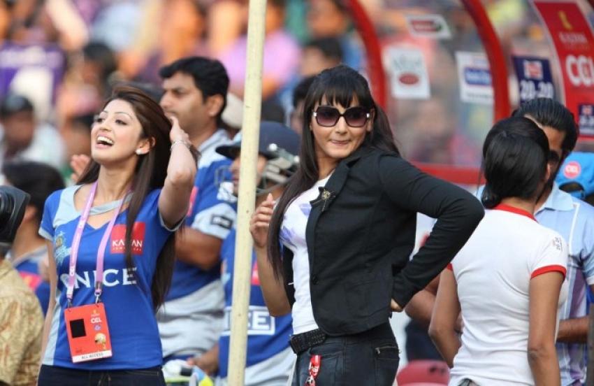 Semi Final 1- Kerala Strikers vs Karnataka Bulldozers match Photos