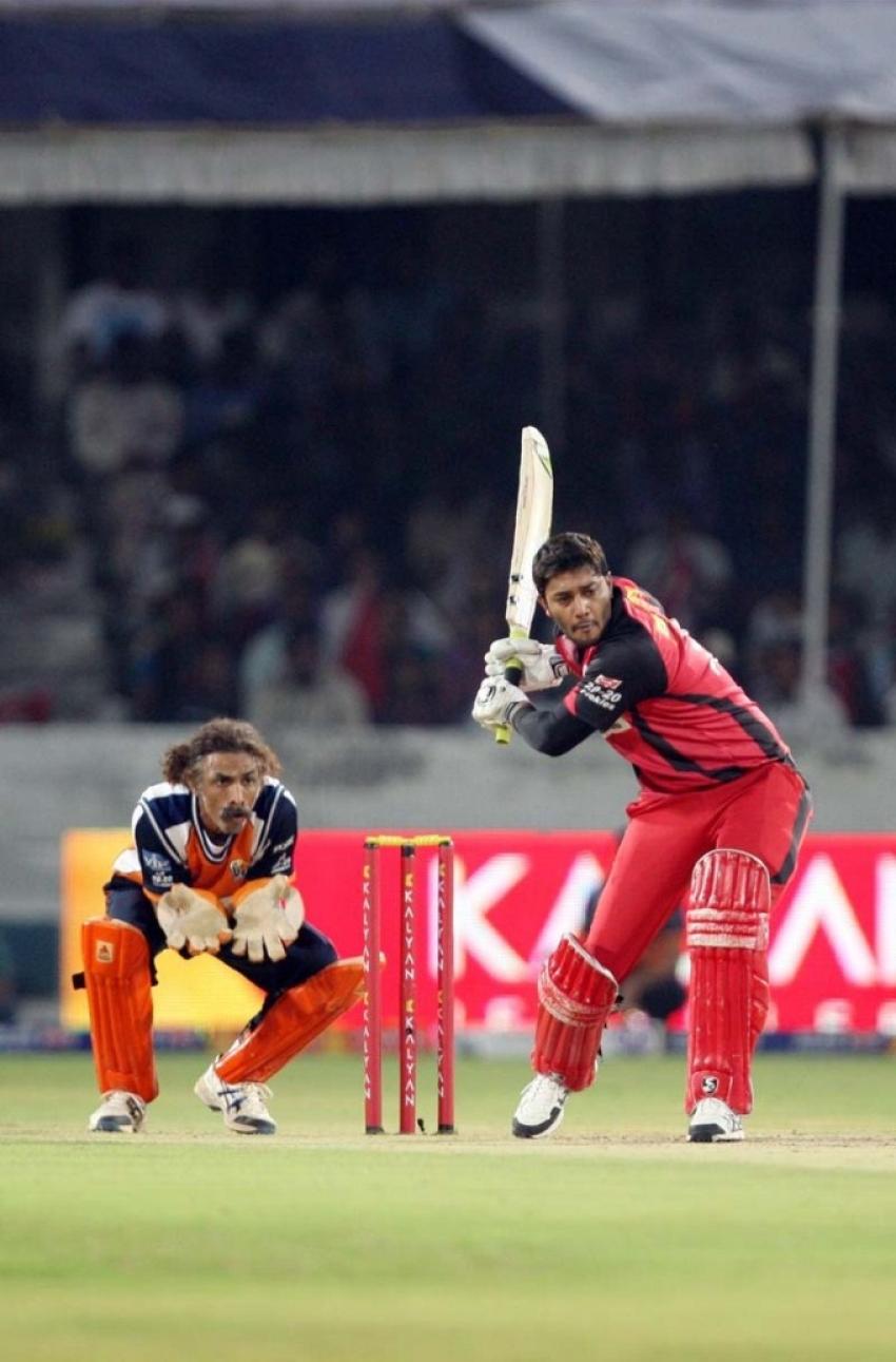 Telugu Warriors vs Veer Marathi - Semi Finals Photos