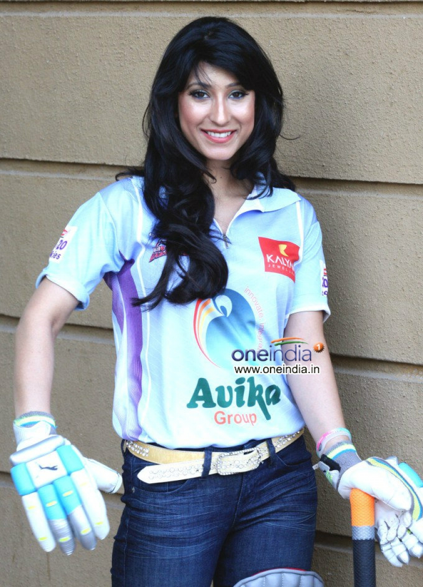 Urvashi Chaudhary Brand Ambassador of CCL Shoots in Cricket Costume Photos