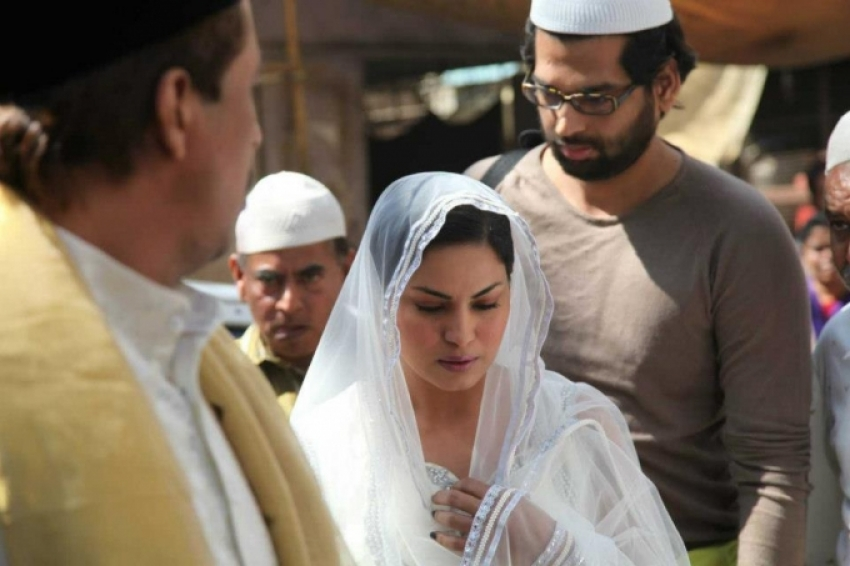 Veena Malik at Ajmer Sharif Dargah Photos