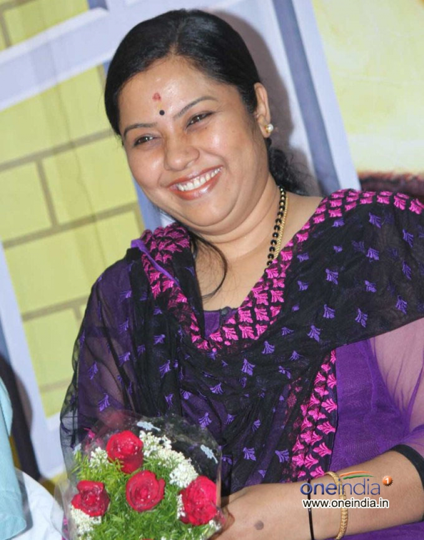 kannada-actress-tara-naked-ebony-close-up