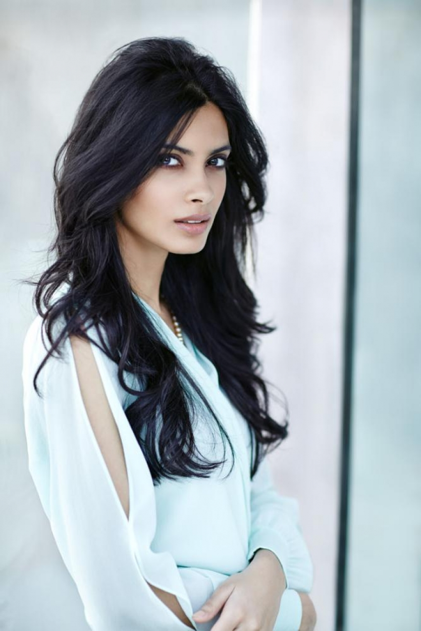 Diana Penty Photos Hd Latest Images Pictures Stills Of Diana