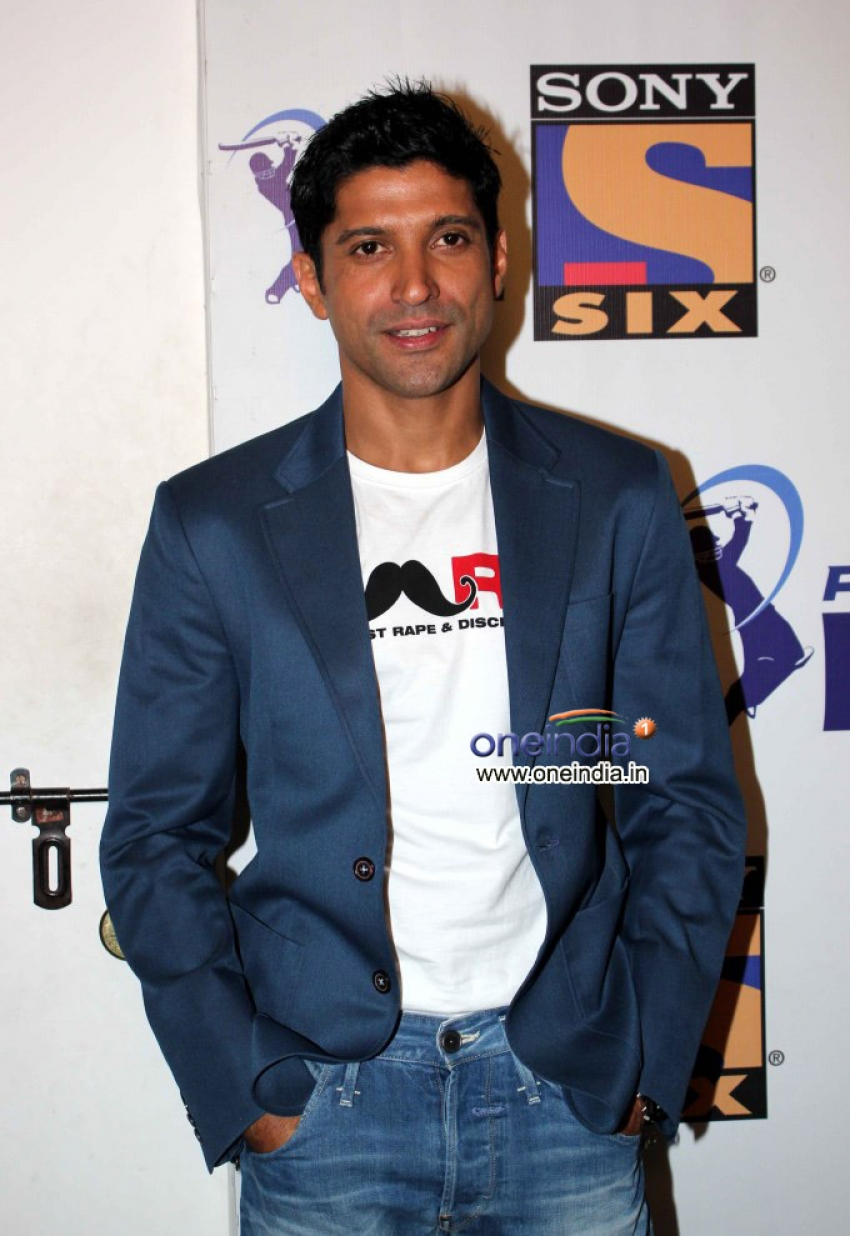 Farhan Akhtar Promoted his Initiative Mard on the sets of Extra Innings Photos
